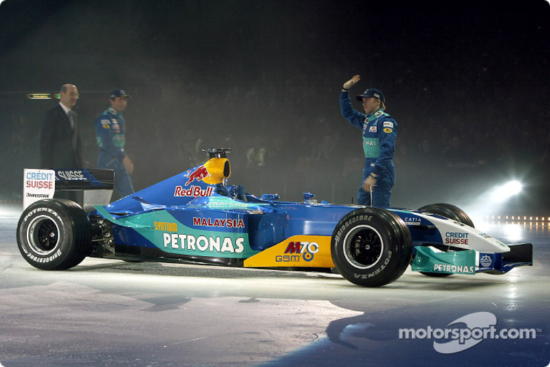 Nick Heidfeld and Heinz-Harald Frentzen with the new Sauber Petronas C22