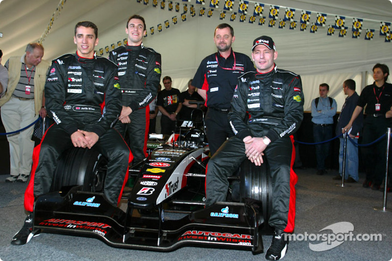 Justin Wilson, Matteo Bobbi, Paul Stoddart and Jos Verstappen with the new Minardi PS03