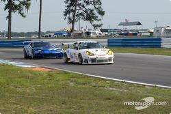 #78 T2M Motorsport Porsche 911 GT3 R: Howard Vance, Georges Forgeois, Derek Clark
