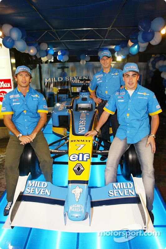 Renault F1 party in Sepang: Jarno Trulli, Fernando Alonso and Allan McNish