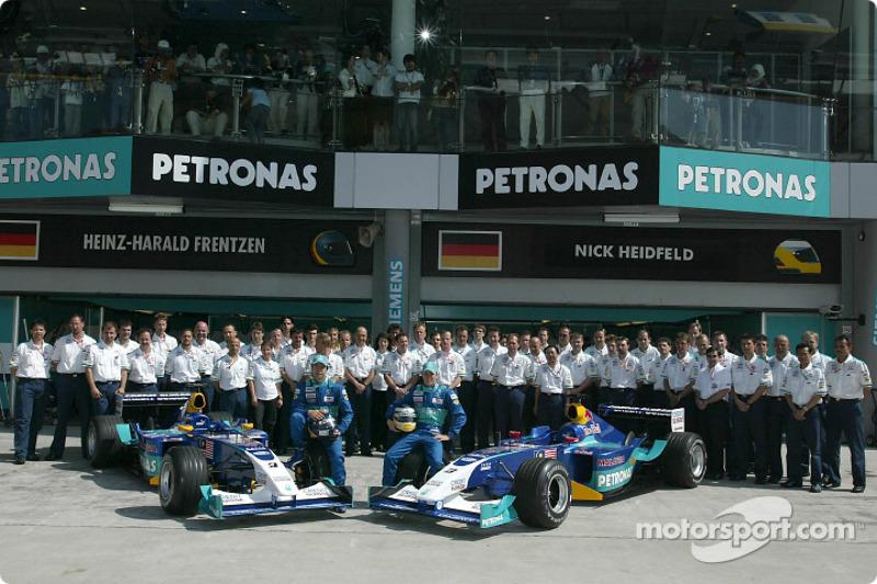 Family picture for Heinz-Harald Frentzen, Nick Heidfeld and Team Sauber