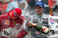 Champagne for Kimi Raikkonen ve Michael Schumacher