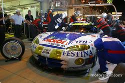 Pitstop for #86 Larbre Competition Chrysler Viper GTSR: Christophe Bouchut, Patrice Goueslard