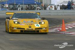 la Chevrolet Corvette C5-R n°4 de l'équipe Corvette Racing pilotée par Oliver Gavin, Kelly Collins
