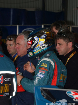 Russell Ingall and the Stone Bros crew monitor Ambroseís progress