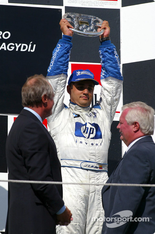 Podio: champagne para Juan Pablo Montoya
