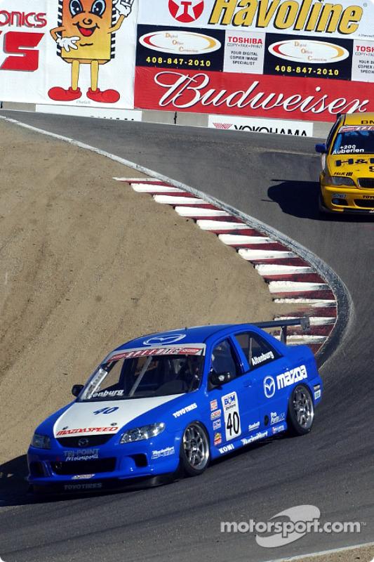 Jeff Altenburg, vainqueur en Speed Touring Car, devance Bill Auberlen