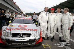 Niki Lauda drove VIPs around the A1-Ring in an AMG-Mercedes DTM car