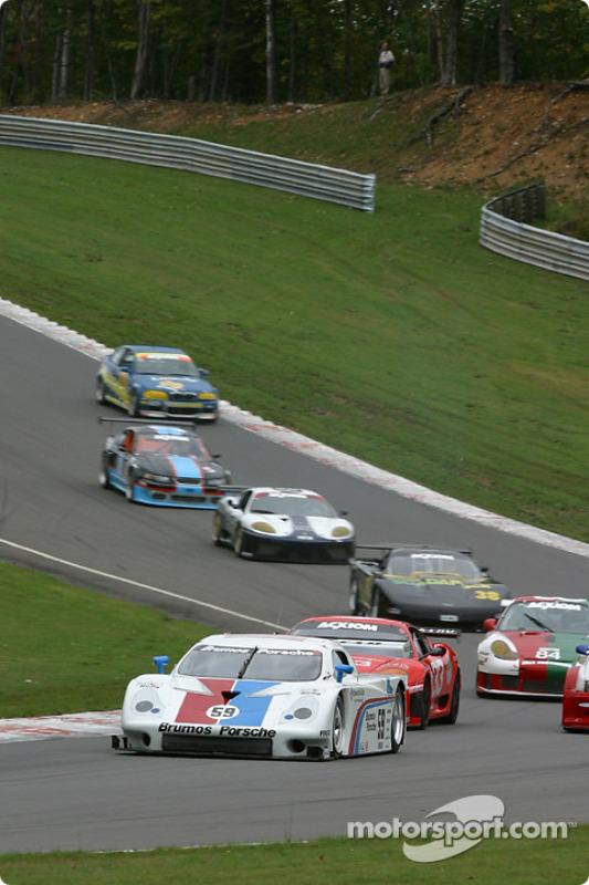 Départ : #59 Brumos Racing Porsche Fabcar: Hurley Haywood, J.C. France, Max Papis