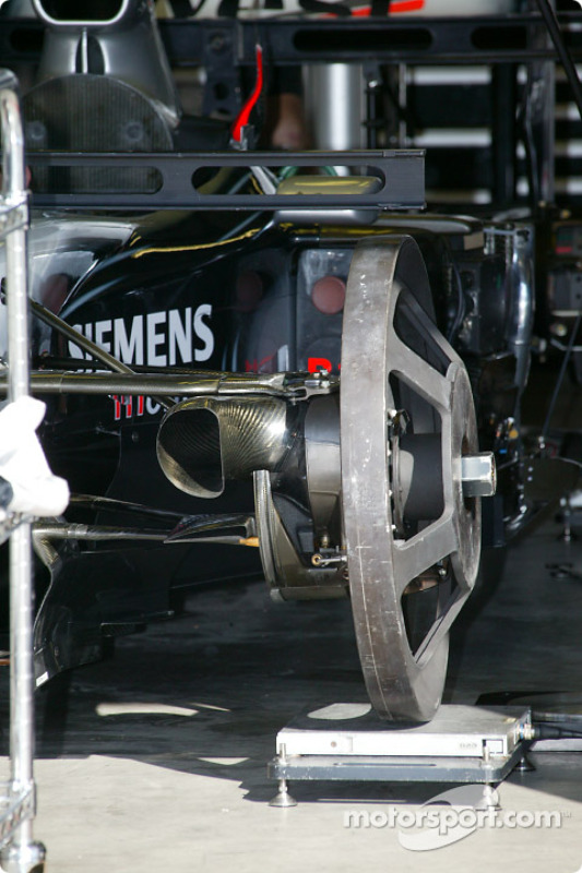 Garage mclaren grand prix des etats unis photos for Garage formule m