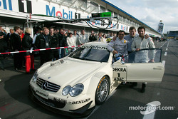 Norbert Haug, Jean Alesi, Juventus Turin football star Alessandro del Piero and the AMG-Mercedes CLK race taxi