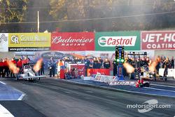 Top fuel final between Jim Head and Tony Schumacher