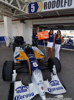 Rodolfo Lavin's car on display