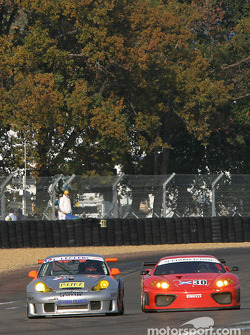 #48 Olivier Baron Porsche GT3-RS, and #30 Scuderia Ecosse Ferrari Modena: Marino Franchitti