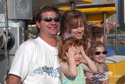 Mike, Jenny, Hayley et Julia Boat