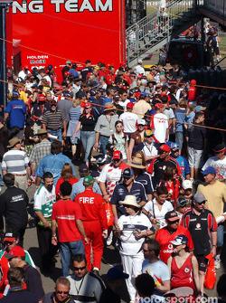 Fans in pit alley