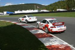 #14 Frederick Motorsports Mustang Cobra R: Greg Camp, Andrew Kopperl, et #7 Doncaster Racing Porsche GT3 Cup: Greg Wilkins, Dave Lacey