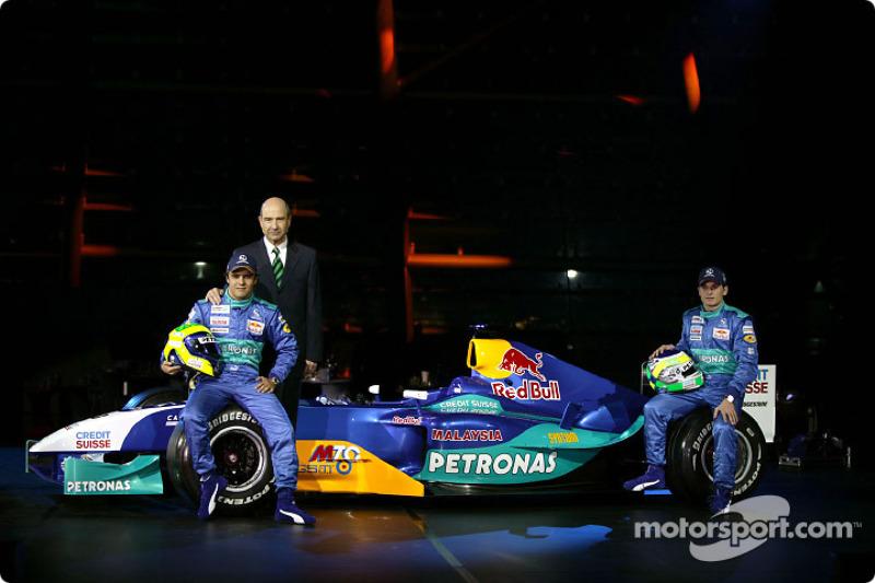 Феліпе Масса, Петер Заубер і Джанкарло Фізікелла з новим Sauber Petronas C23