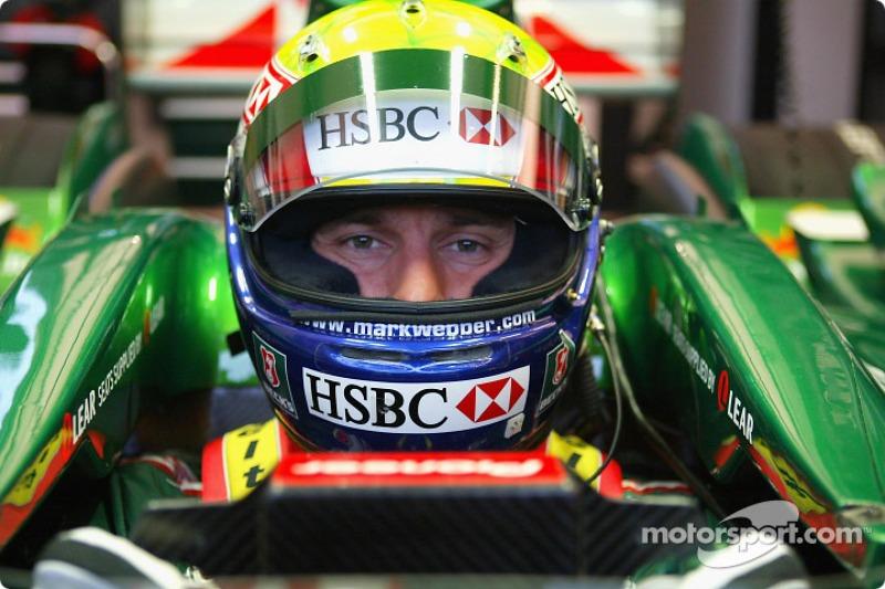 Mark Webber test ediyoryeni Jaguar R5, Ford'in Proving Ground Lommel, Belgium
