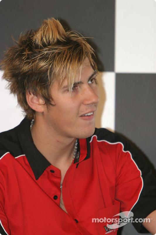 Interview de Luke Hines sur la scène Autosport
