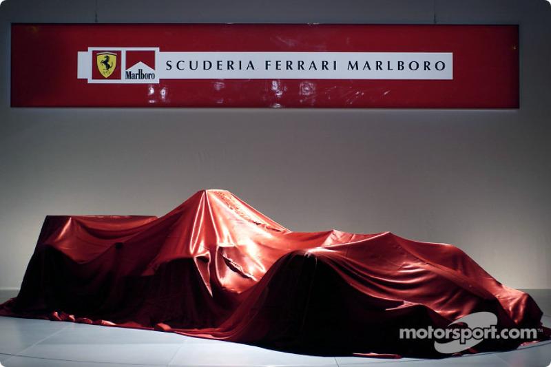 Перед презентацією Ferrari F2004
