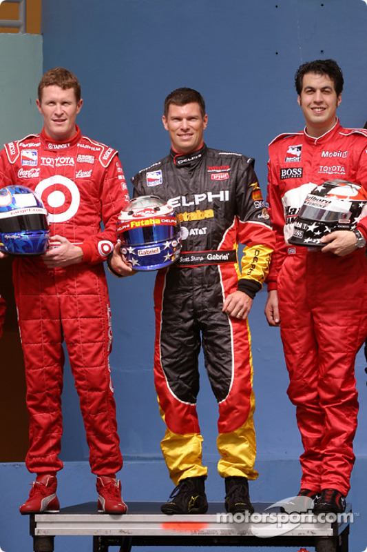 Photoshoot avec les pilotes Toyota en IRL : Scott Dixon, Scott Sharp et Sam Hornish Jr.