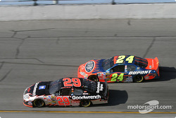 Kevin Harvick y Jeff Gordon