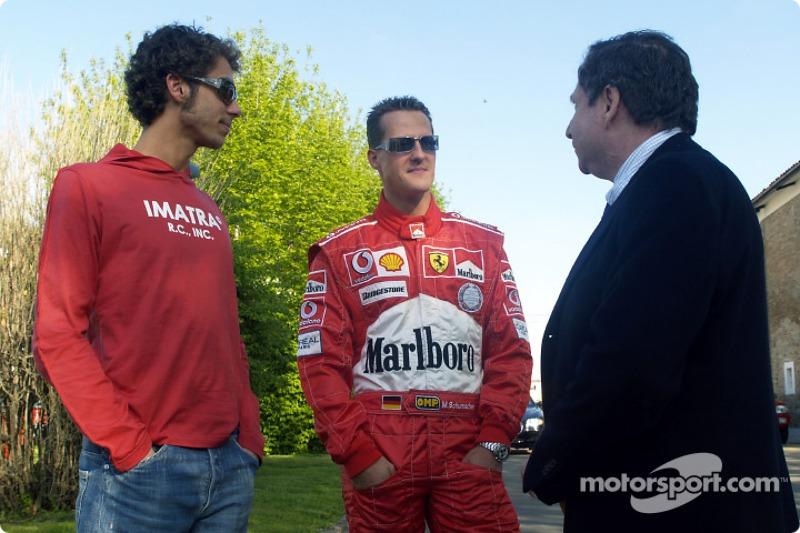 Valentino Rossi en la pista de Fiorano: Michael Schumacher, Valentino Rossi y Jean Todt