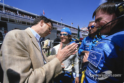 Renault's Louis Schweitzer and Jarno Trulli on the starting grid