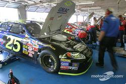 GMAC Chevrolet #25 garage area