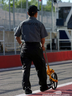Pitlane measurement at McLaren