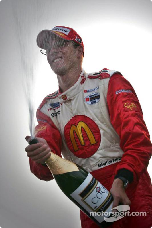 Podium : champagne pour Sébastien Bourdais