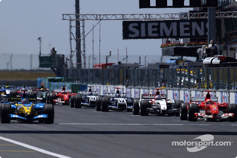 Стартова лінія: Фернандо Алонсо з Renault на поулі