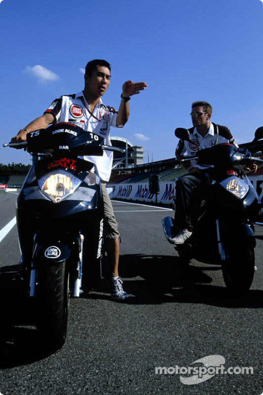 Anthony Davidson et Takuma Sato avec leurs motos Honda à Hockenheim