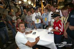 Autograph session for Bernd Schneider