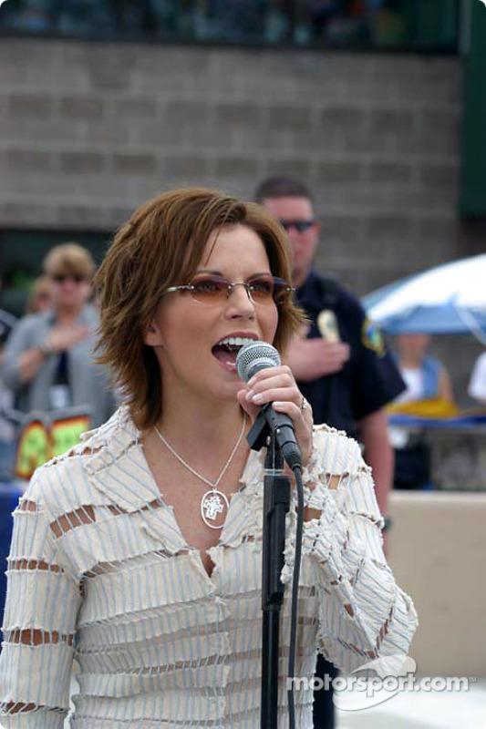 Martina McBride chante l'hymne américain