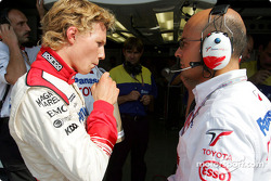 Ryan Briscoe with engineer Gianvito Amico