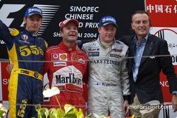 Podium: Sieger Rubens Barrichello mit Jenson Button, Kimi Räikkönen und Luca di Montezemelo