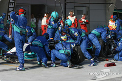 Pitstop for Giancarlo Fisichella
