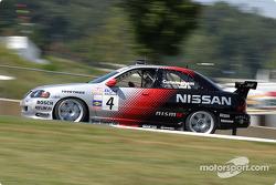 Peter Cunningham (#4 Nissan Sentra SE-R)