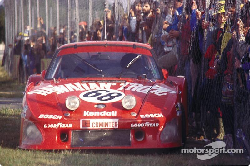 Abandon pour la Porsche 935 K3 n°68 Racing Associates : Skeeter McKitterick, Charles Mendez, Leon Walger