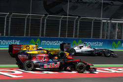 Jaime Alguersuari, Scuderia Toro Rosso, Vitaly Petrov, Renault F1 Team, Michael Schumacher, Mercedes GP