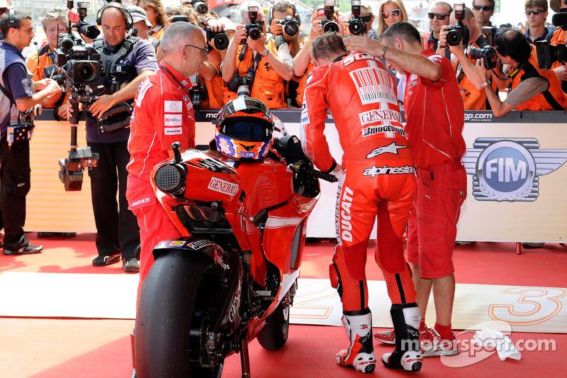 2de plaats Casey Stoner, Ducati Marlboro Team