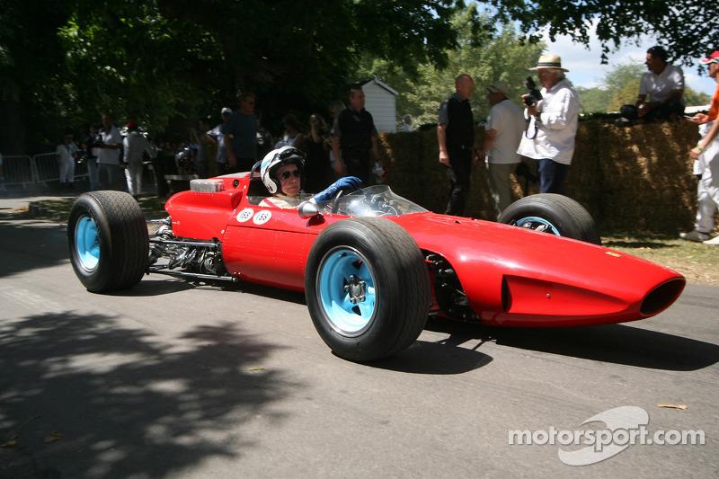 Вновь за рулем Ferrari 158 спустя 46 лет после титула