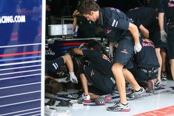 Sebastian Vettel, Red Bull Racing having work done to his brakes