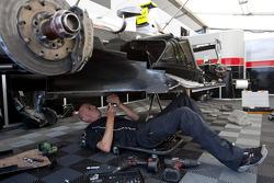 Scuderia Coloni mechanics at work