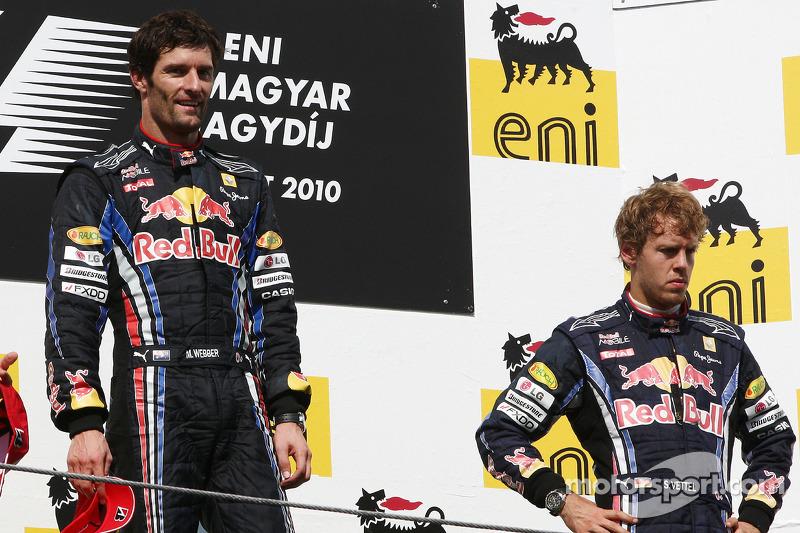 Podium: race winnaar Mark Webber, Red Bull Racing, 3de Sebastian Vettel, Red Bull Racing