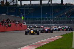 Jean-Eric Vergne leads from the start