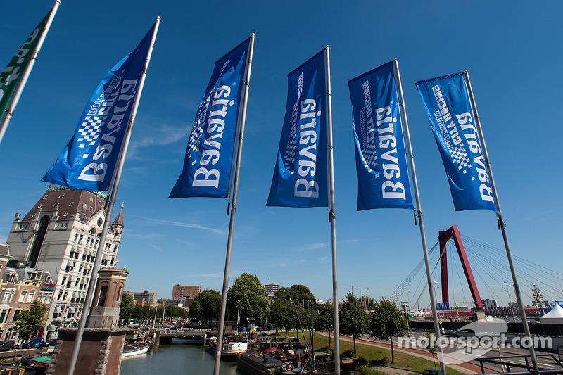 Rotterdam atmosphere