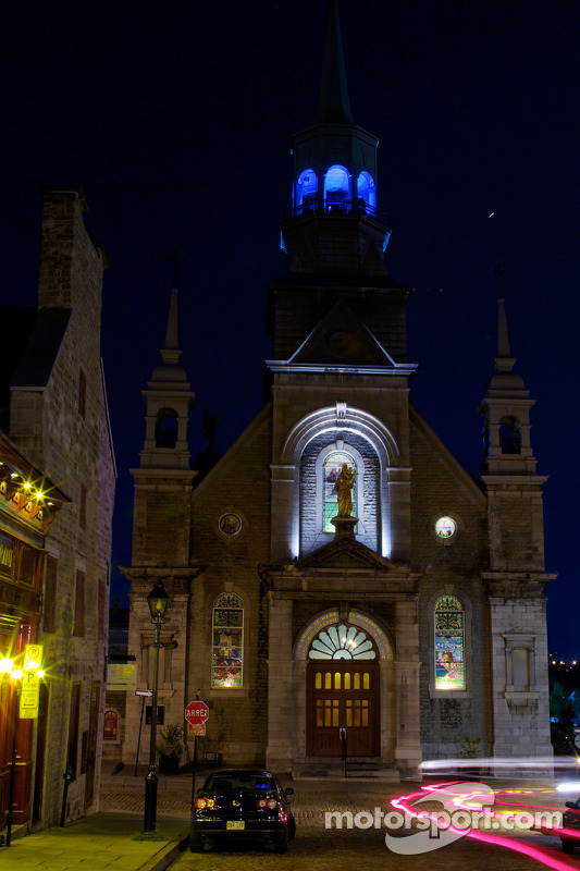 Oude Montreal by night